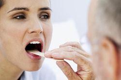 что делать если зудит в горле