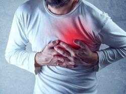 о чем говорит боль в грудной клетке