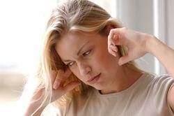 Біль в горлі віддає в вухо