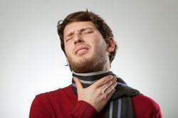 кашель и першение в горле как лечить