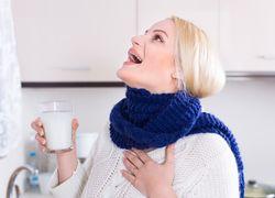 Полоскание горла содовым раствором для улучшения отхаркивания